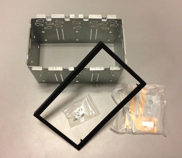 Clarion 2-DIN Universal Einbaukit in schwarz (Höhe 110mm)